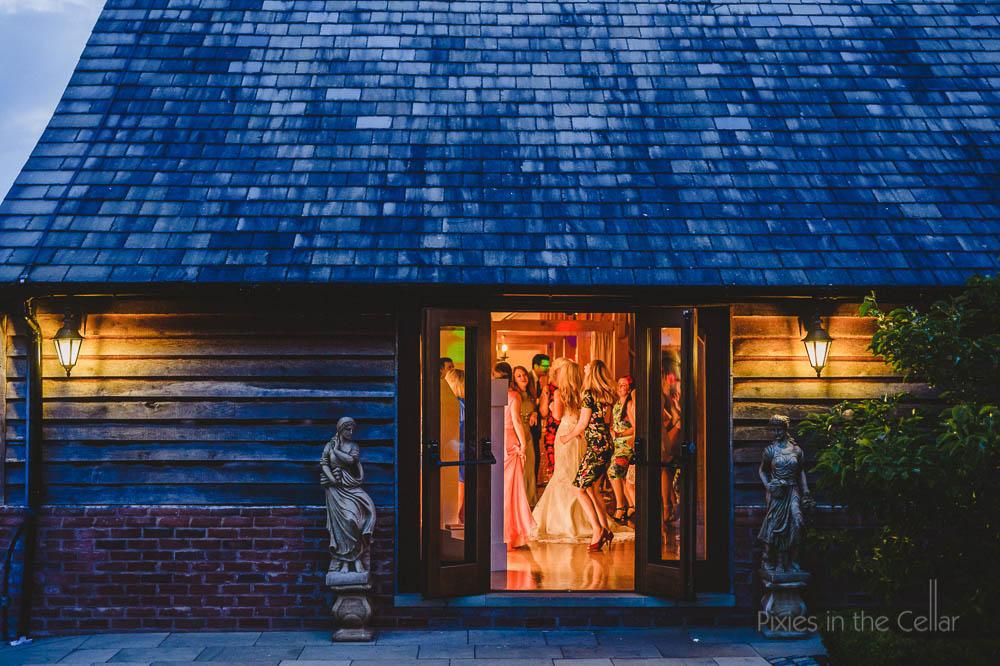 147 sandhole oak barn wedding photographer