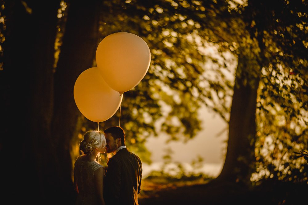 wedding sunset balloons