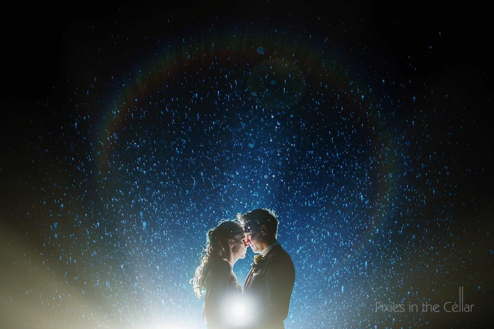 best rainy wedding photos