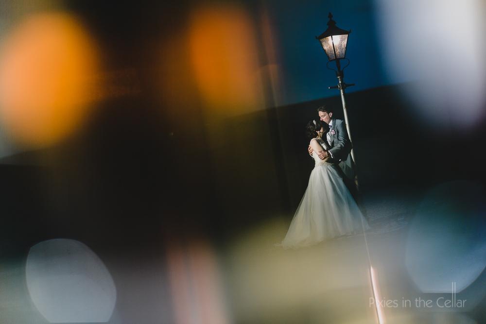 evening light wedding picture