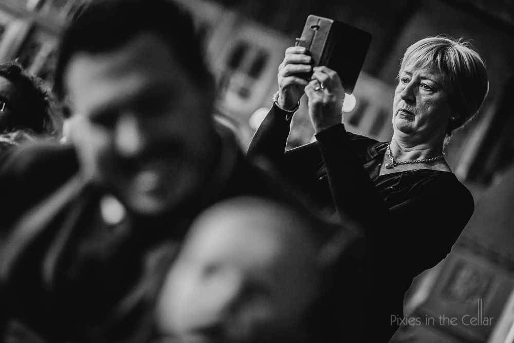 smart phone photography at weddings