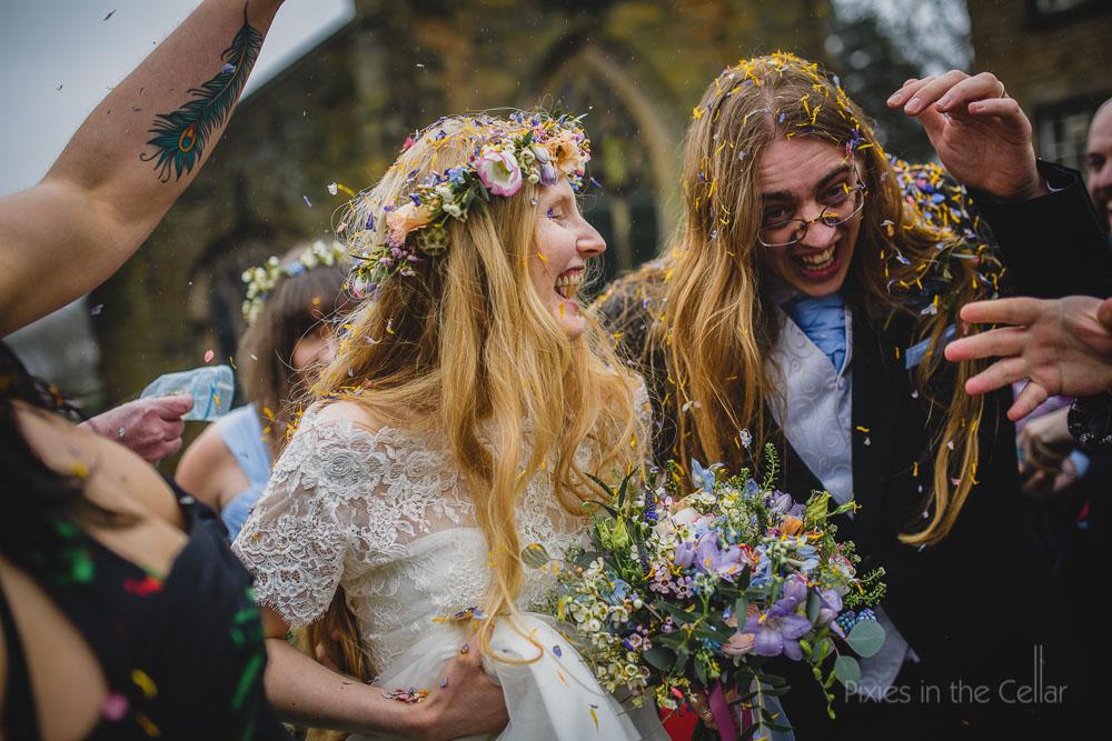 dried flower confetti wedding photo