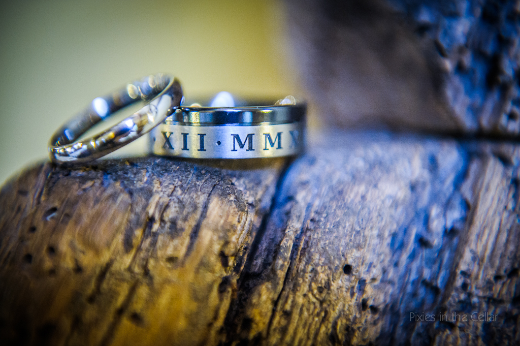 wedding rings with roman numerals