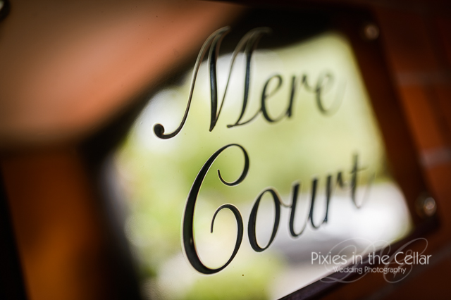 Mere court hotel sign