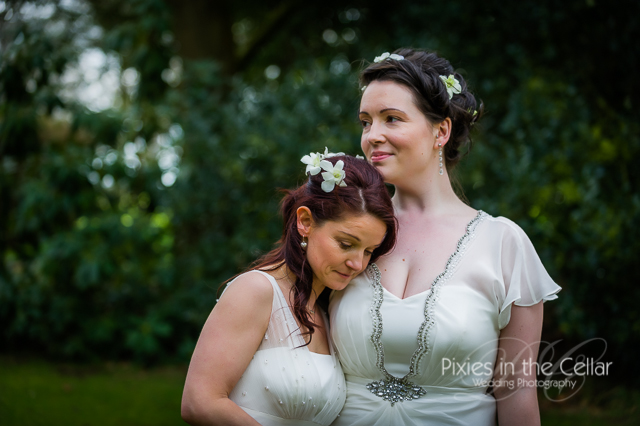 natural wedding photography brides