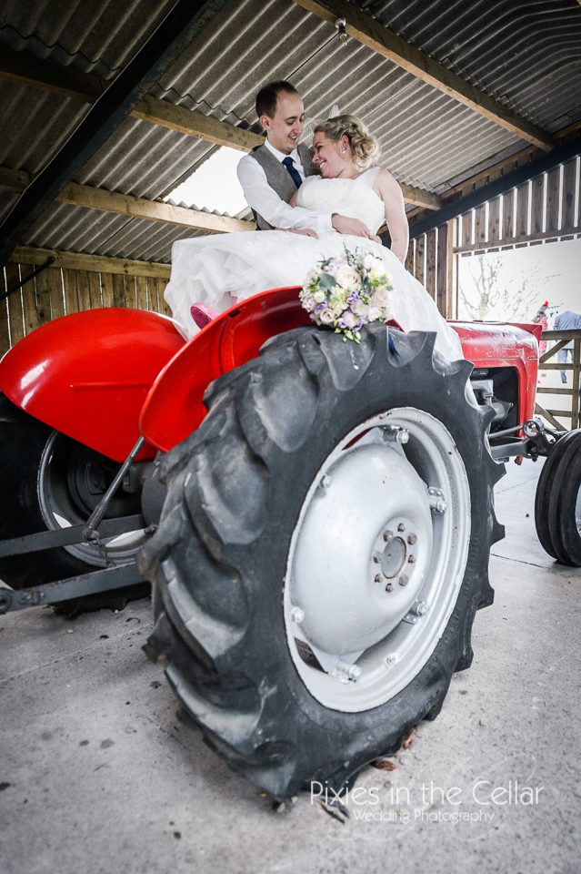 tractor hyde bank farm wedding
