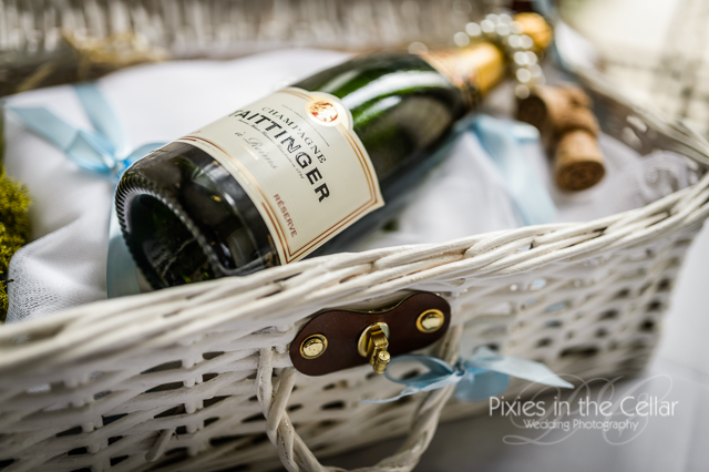 champagne in basket