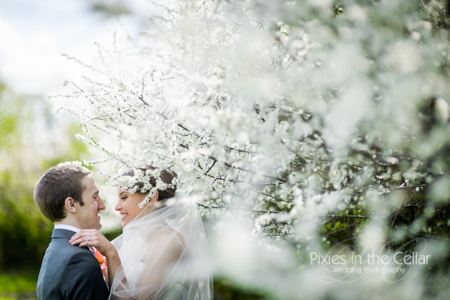 Spring Wedding at Mythe Barn, Warwickshire.