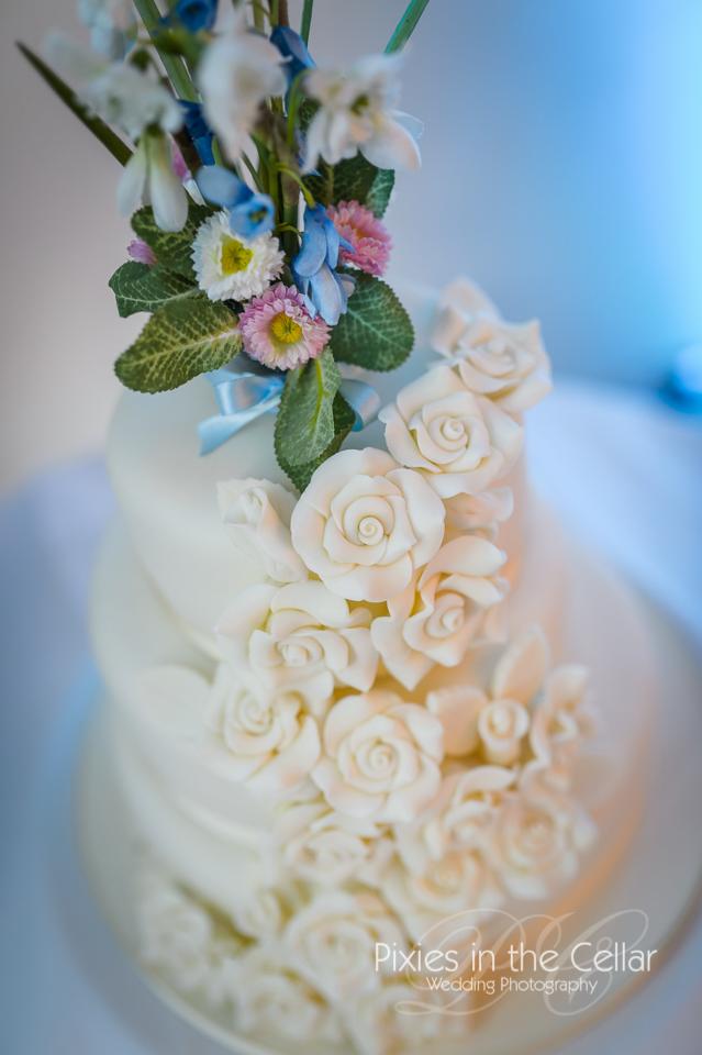wedding cake spring flowers