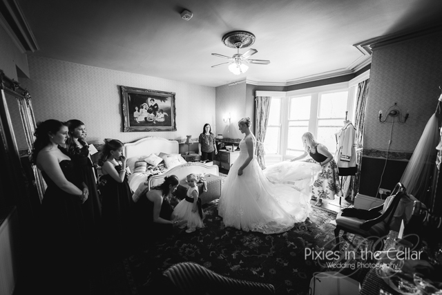 bride and bridesmaids in room at crow hill cottages
