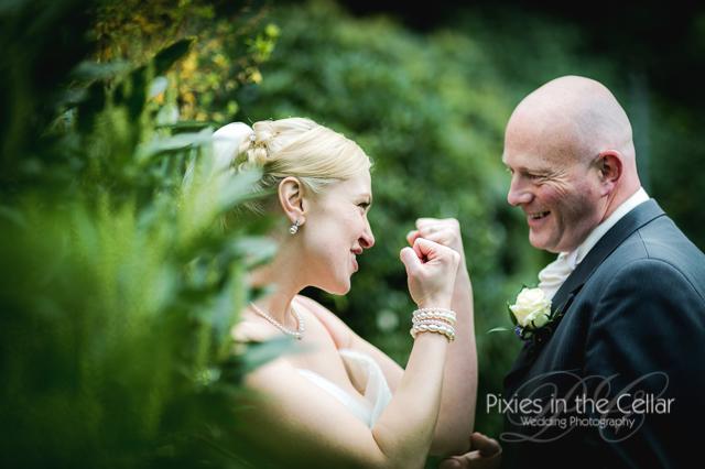 bride fighting groom