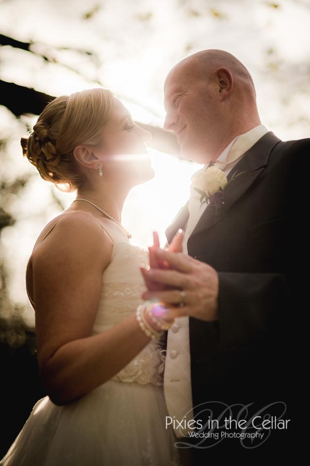 bride groom evening sun