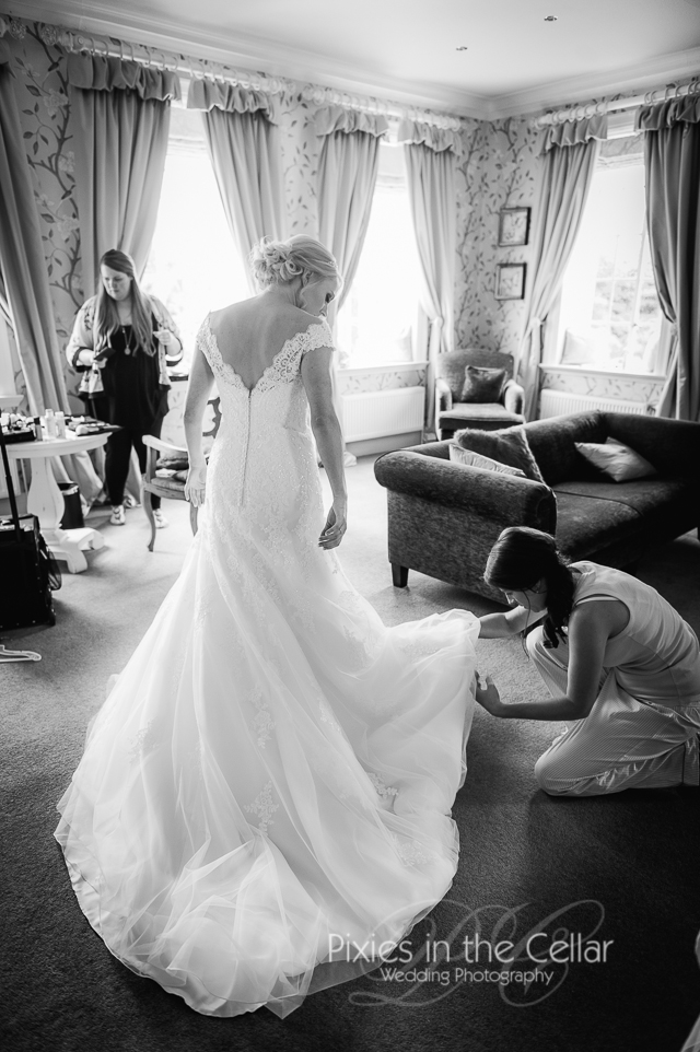 Manchester wedding photographer at Eaves Hall