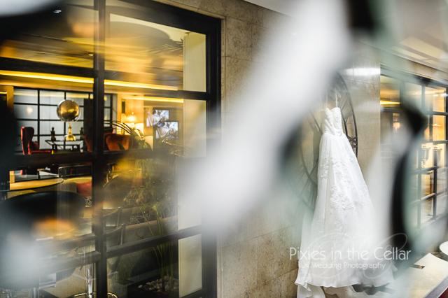 Bridal prep Mercure Greenwich Wedding -6