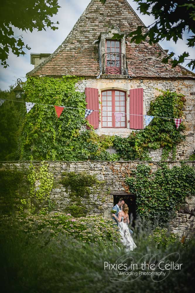 Rustic french wedding dordogne