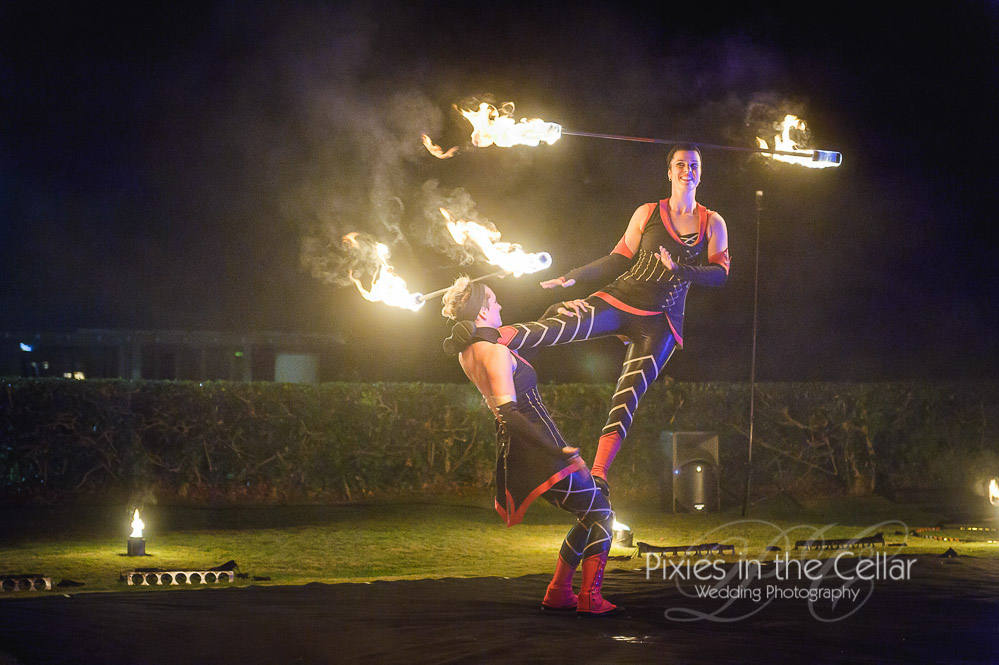 Wedding-fire-show-acrobatic-poi