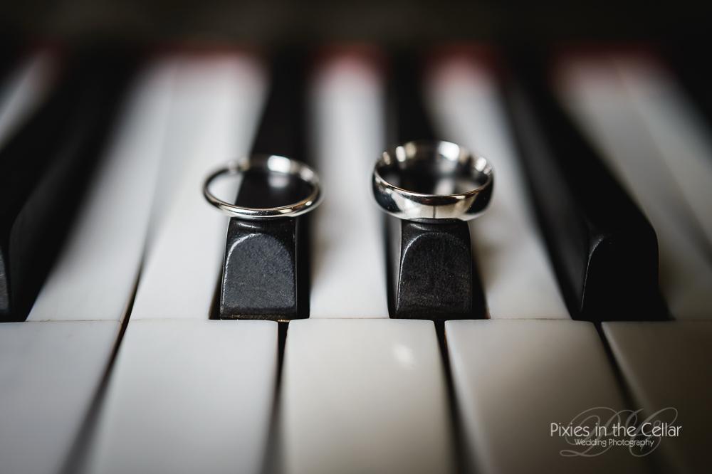 wedding rings piano