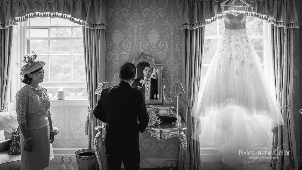 prestwold-hall-wedding-photography bridal prep
