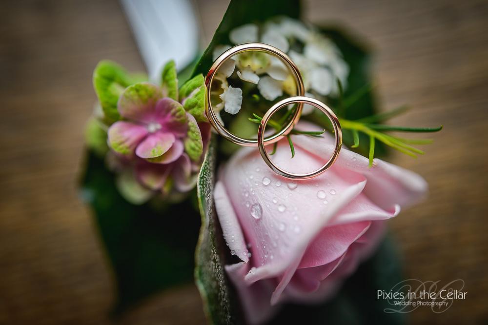 wedding rings pink rose