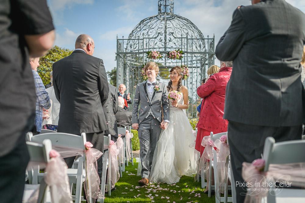confetti capesthorne-hall-wedding-photography