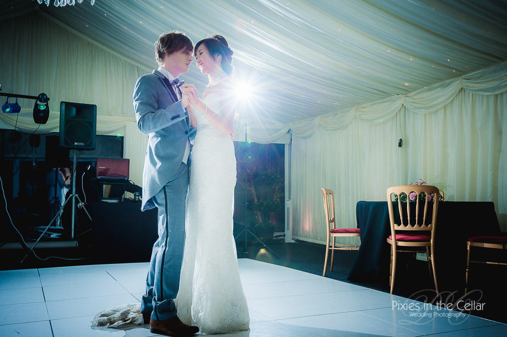 Capesthorne hall marquee first dance