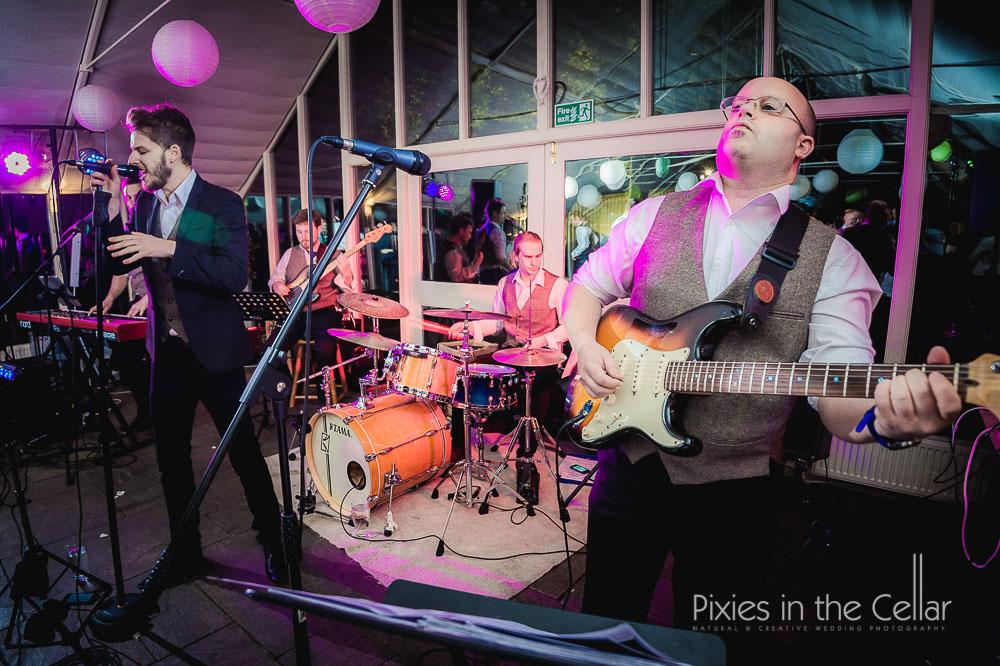 Wedding band Abbeywood Estate