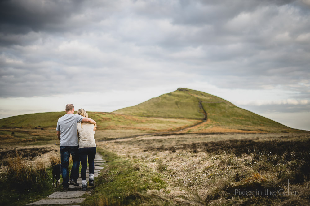 shutlingsloe engagement shoot