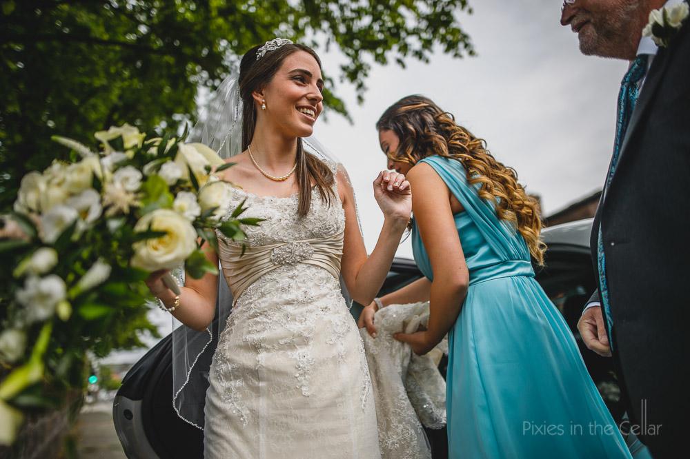 bride turquoise bridesmaids