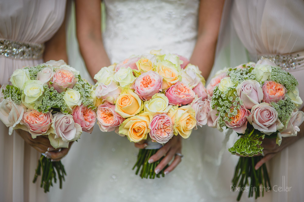 pinks and whites roses peony bouquet