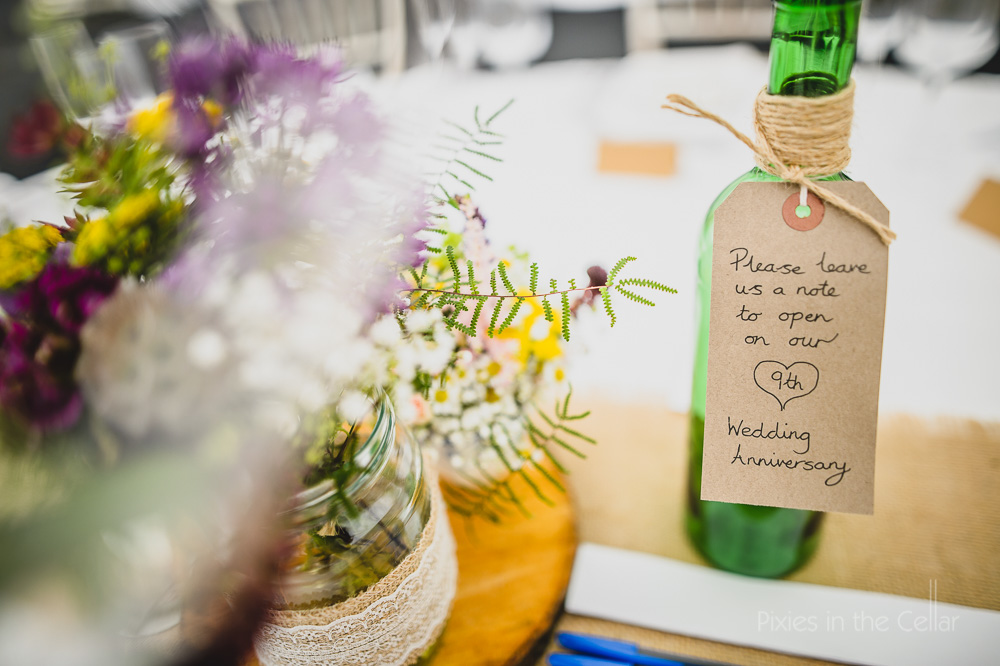 rustic wedding details guest notes
