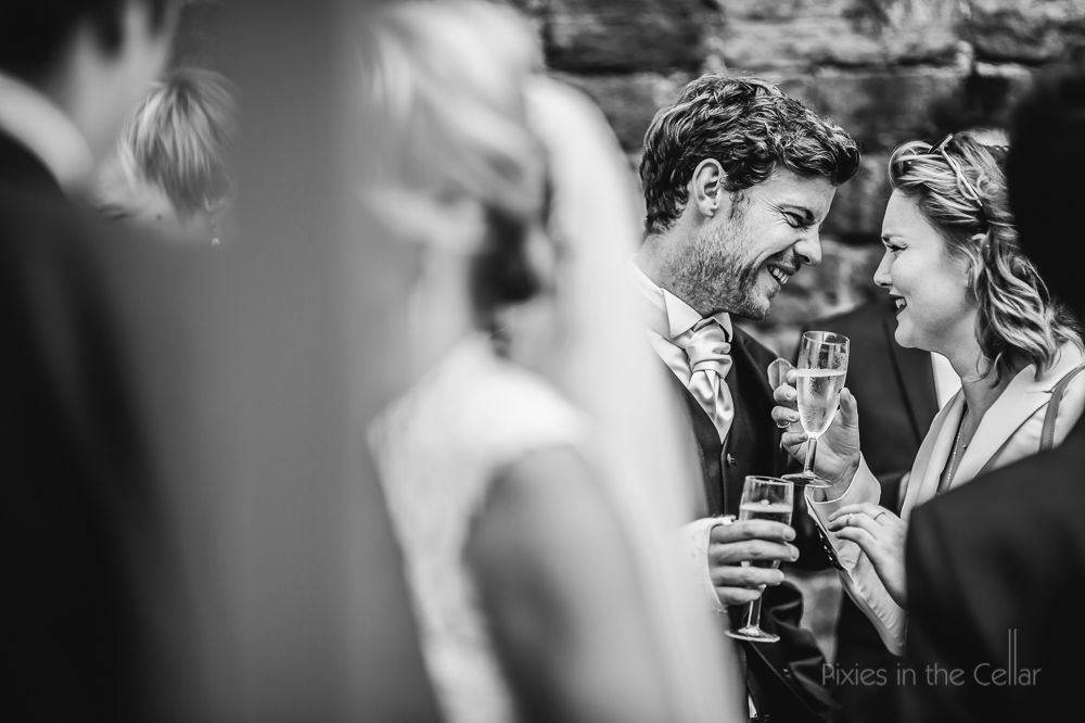 documentary wedding photography moments