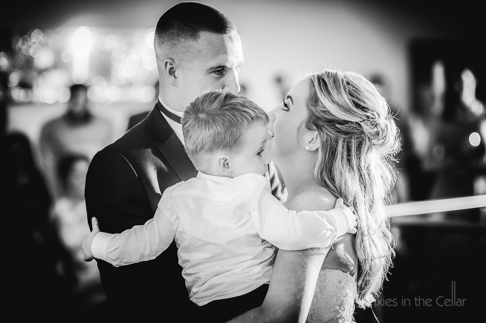 wedding family natural documentary wedding photography