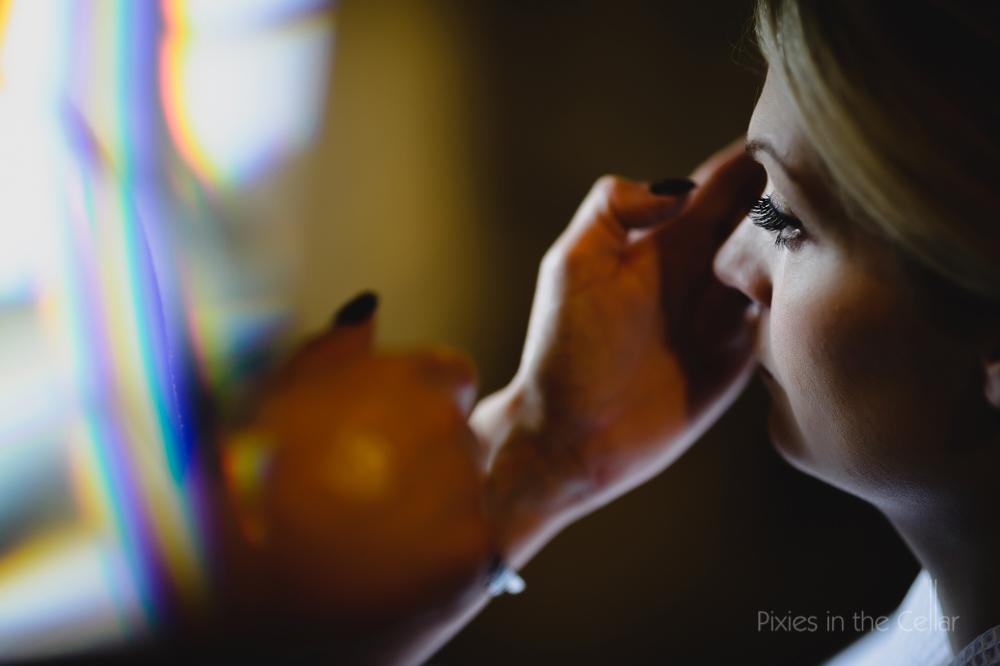 make up application bride