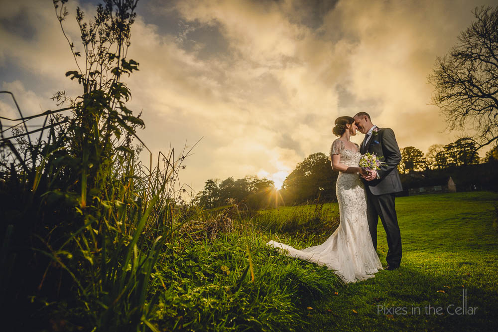 bride groom autumn light