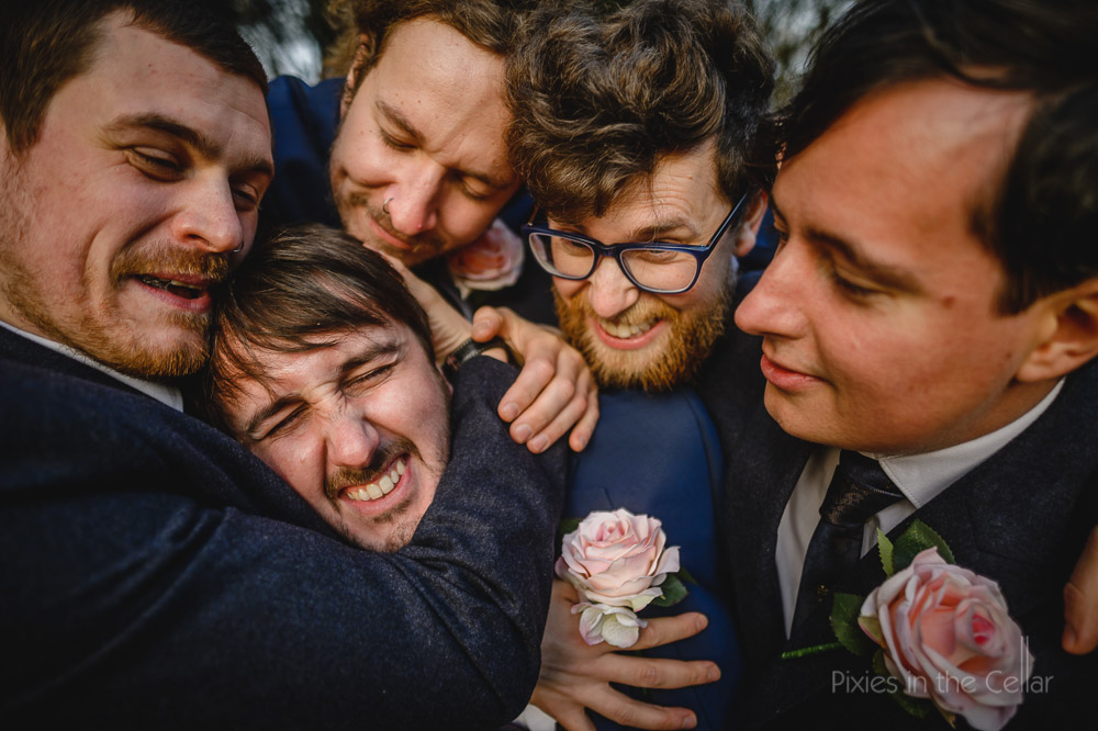 groom and mates