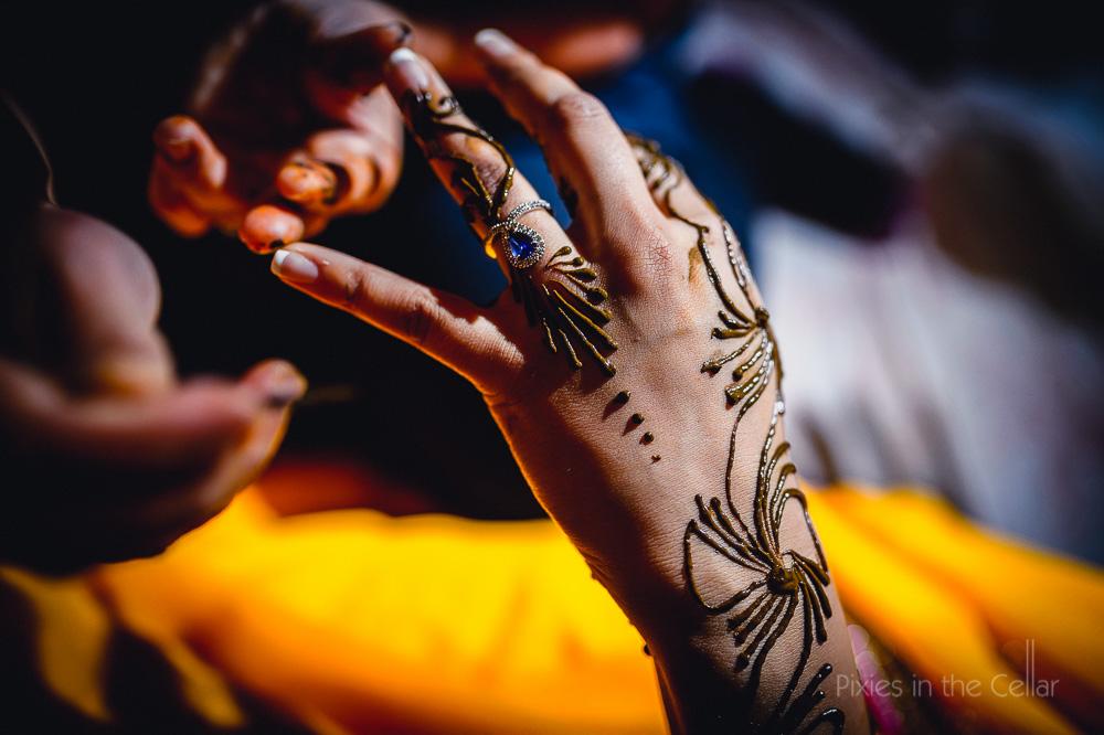 hindu-wedding-photographer-henna