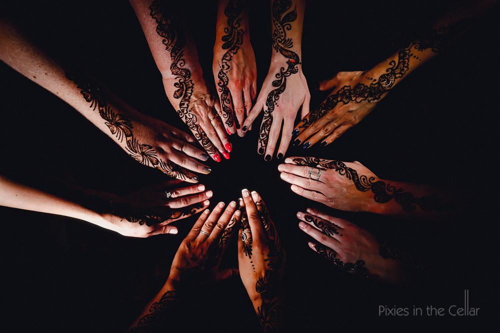 henna hands hindu wedding