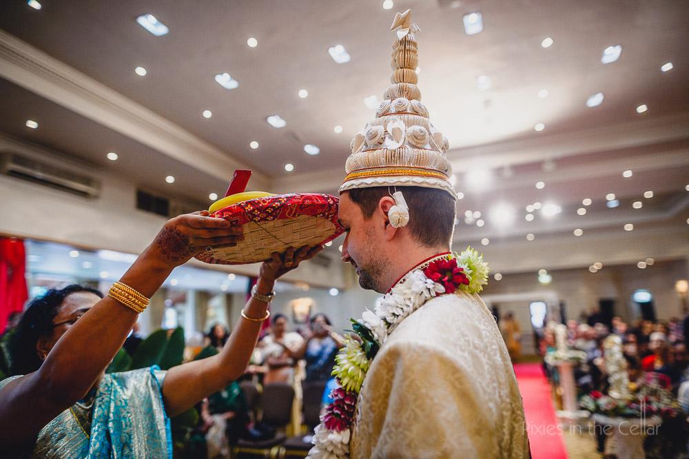hindu wedding ceremony groom