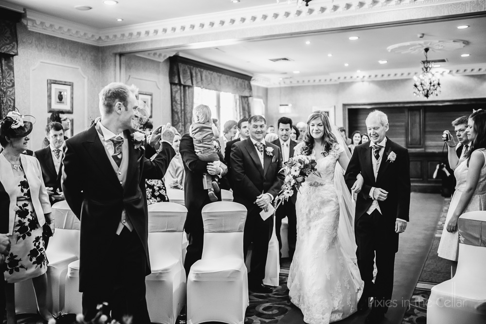 wood hall hotel wedding photography arrival of bride