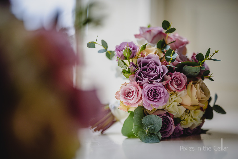 Storrs Hall wedding photography pink wedding bouquet