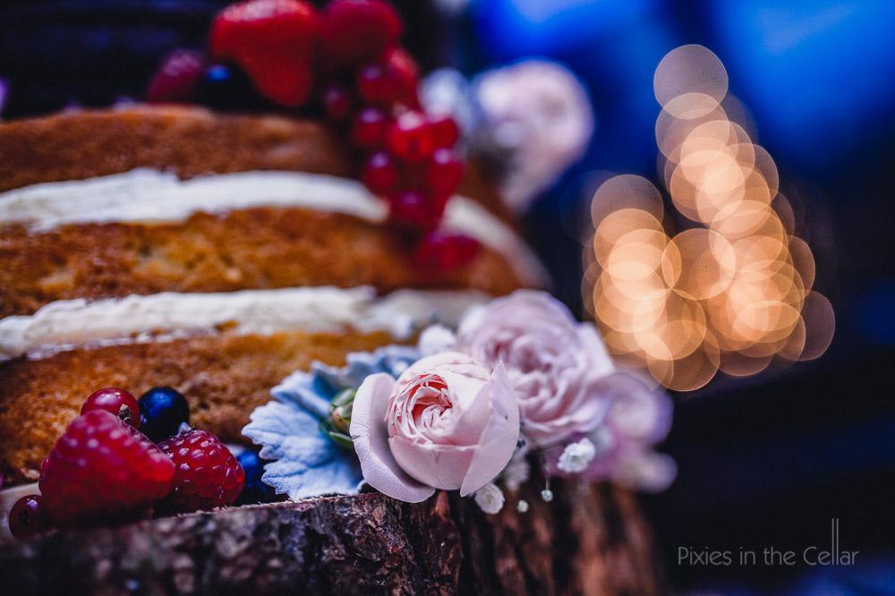 naked wedding cake winter