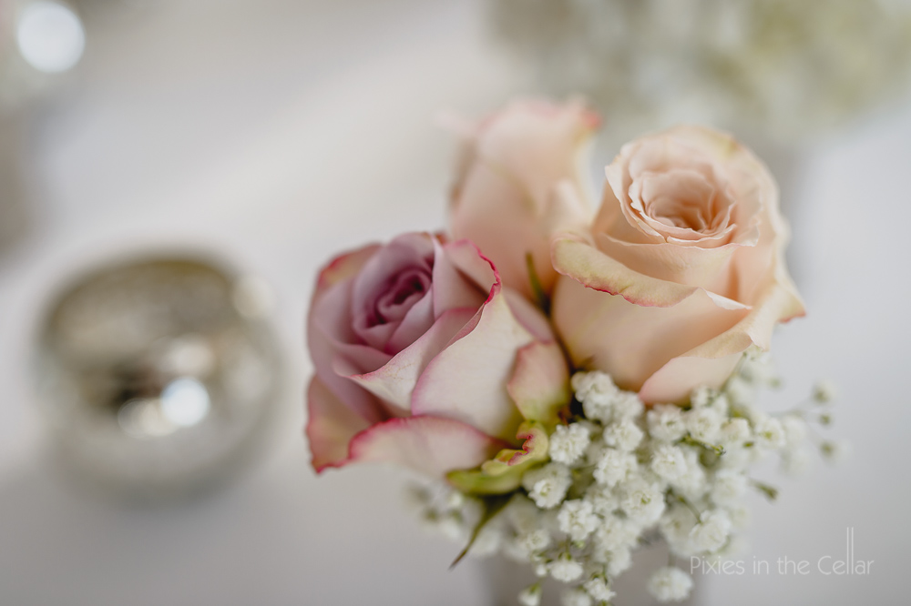 pink roses table decoration