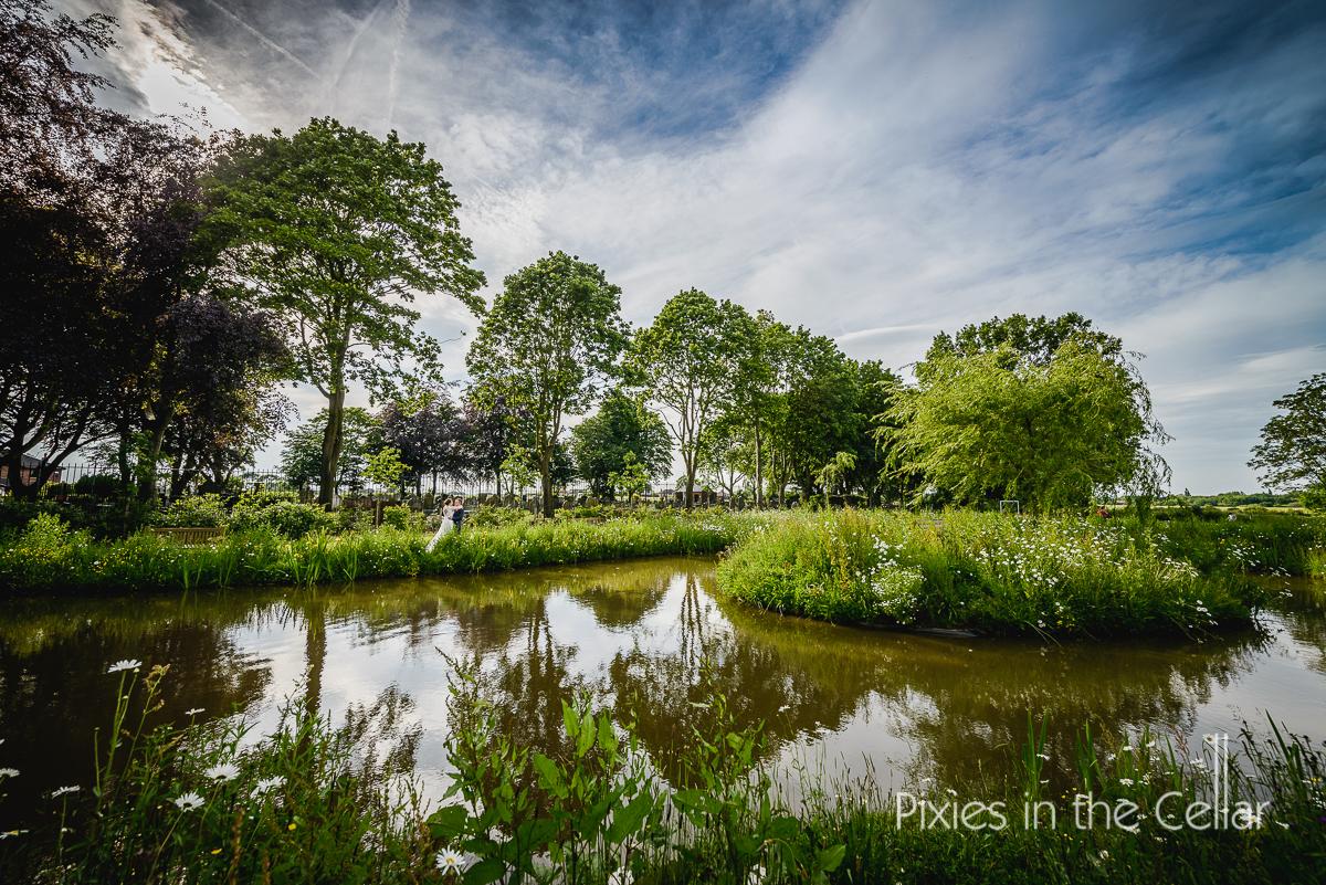 duck pond english wedding