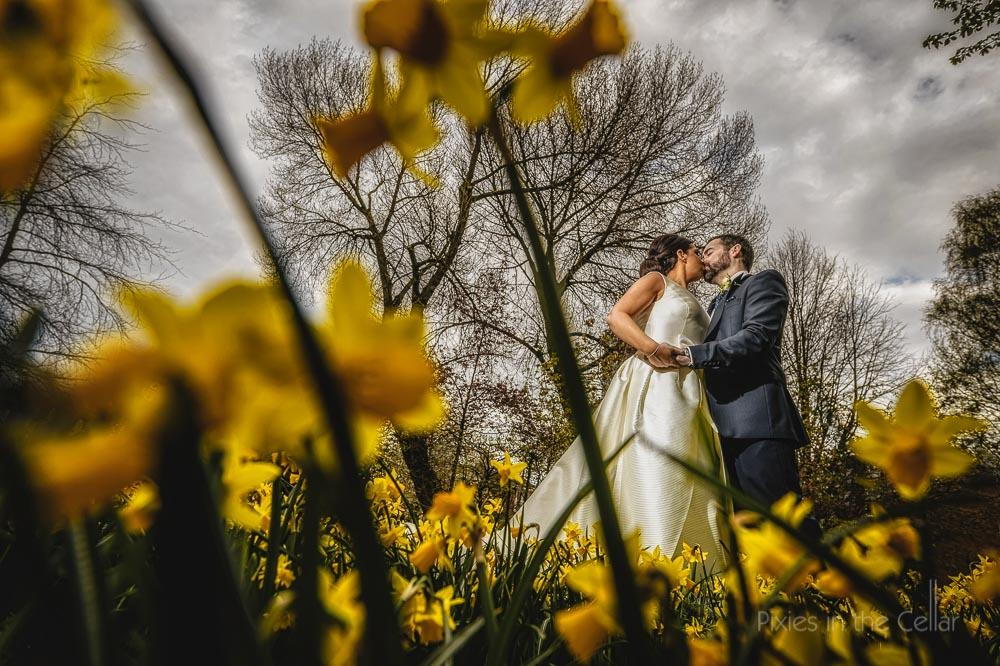 GJS wedding spring daffodils