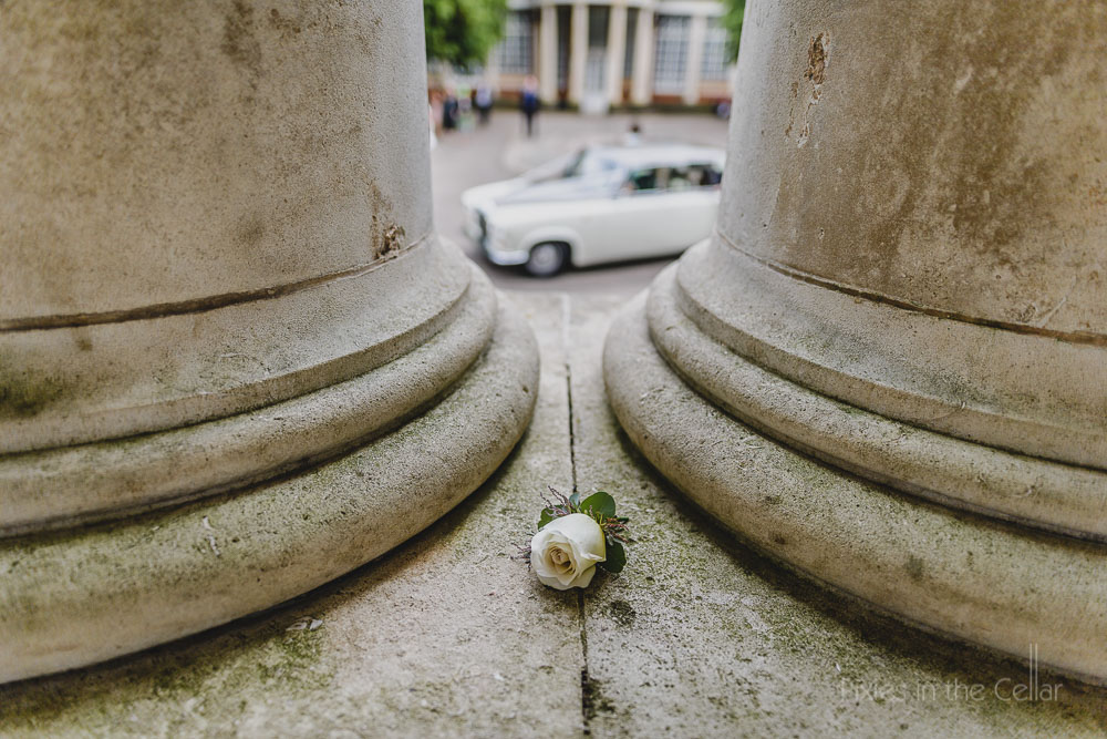 button hole and stone pillars