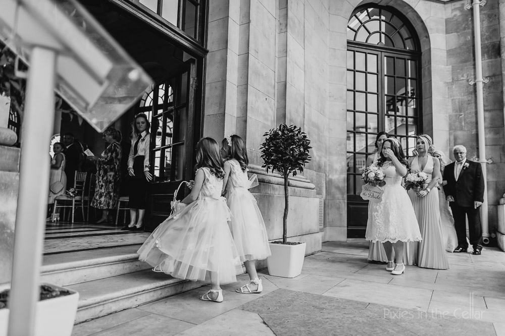 bridal party entering ashton memorial