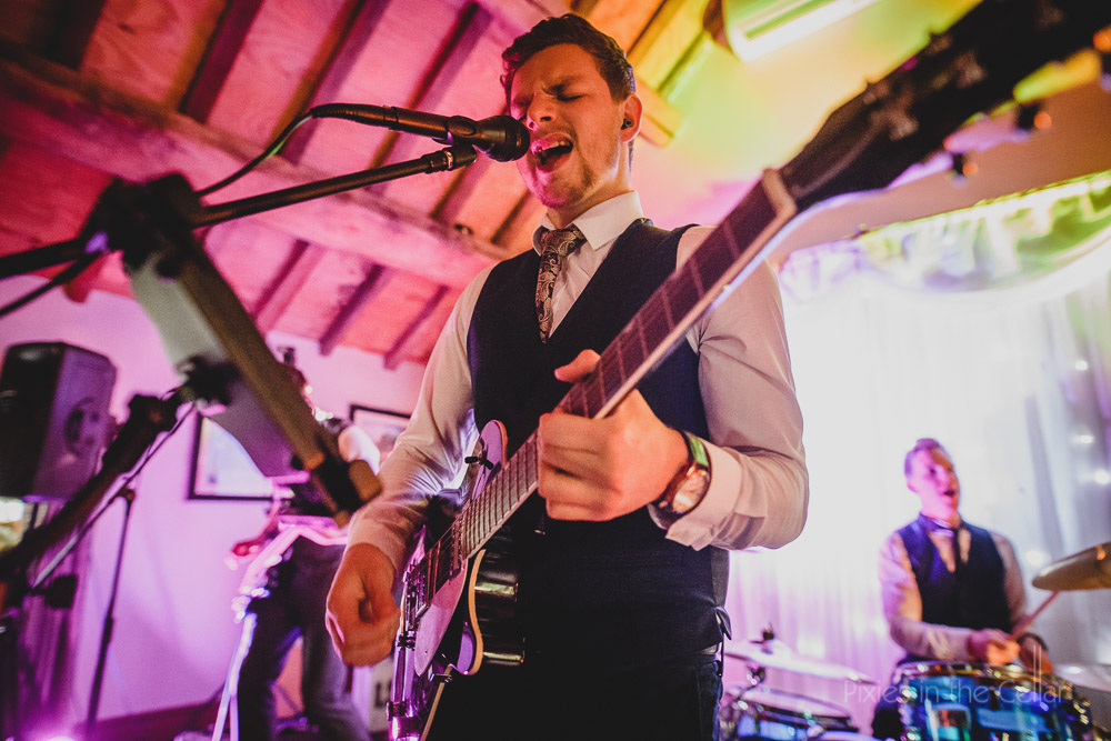 wedding band guitartist