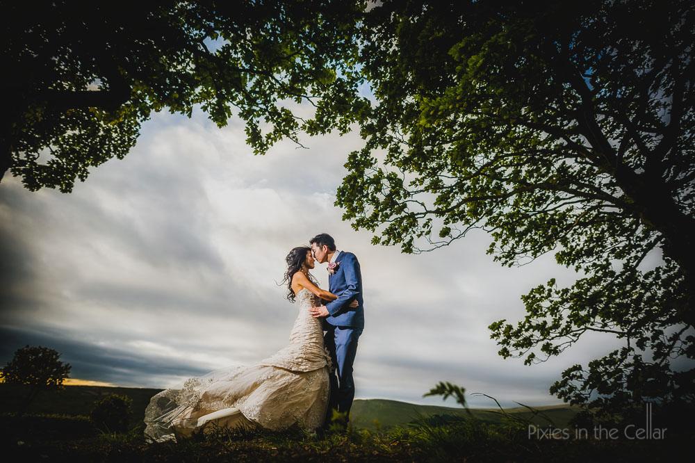 movement windy wedding image