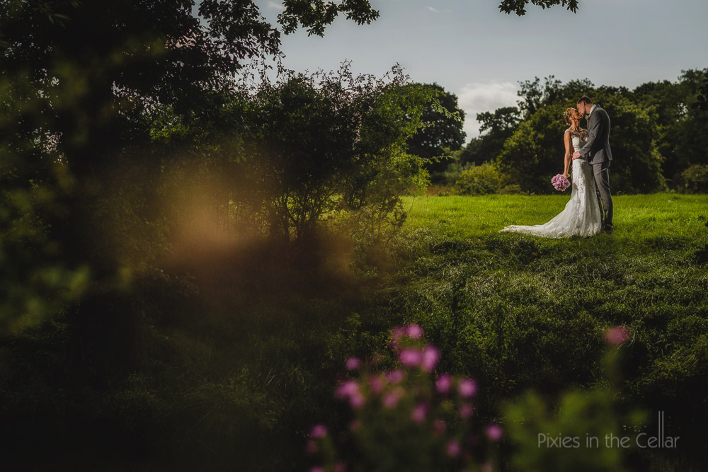 cheshire wedding photographers summer wedding photo