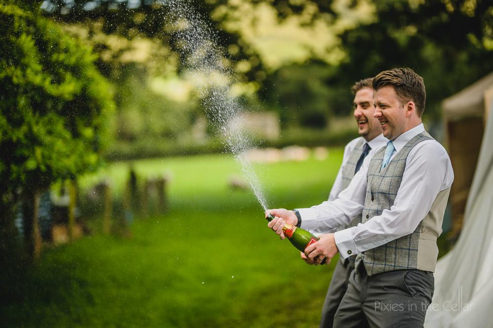 groomsmen with champagne wedding speeches